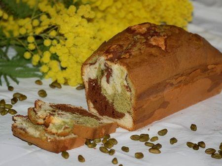 Cake marbré tricolore: chocolat/pistache/nature