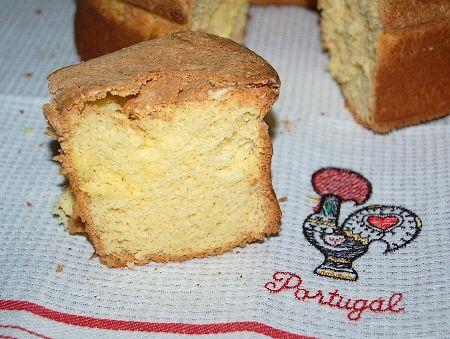 Le Pao de lo (gâteau de Pâques portugais)
